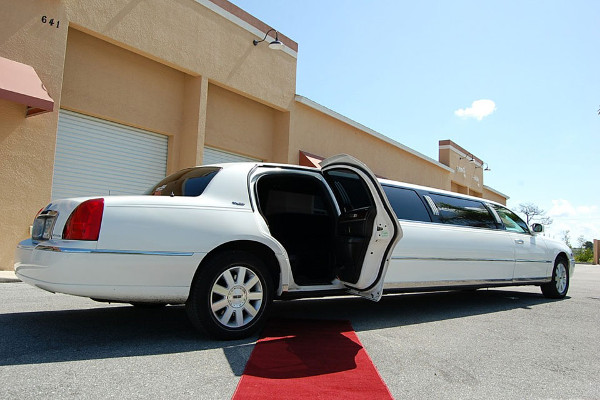 Frederick Lincoln Limos Rental